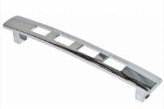Ручка-скоба длина 128мм хром перфорация